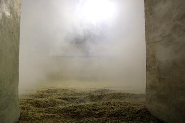 Peat reak seeps through the malting floor.